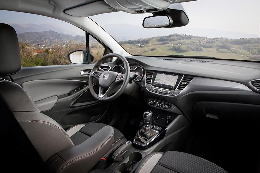 El interior del Crossland X tiene un diseño atractivo.