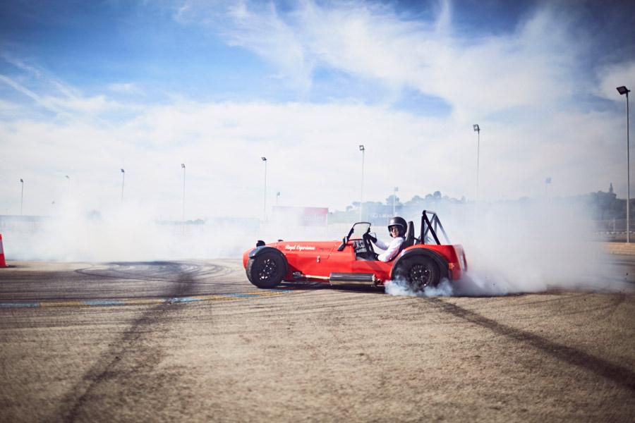 Derrapa en El Jarama con un Lotus Seven con The Royal Experience Company