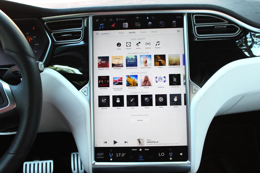 Así es el equipo de música del Tesla Model X