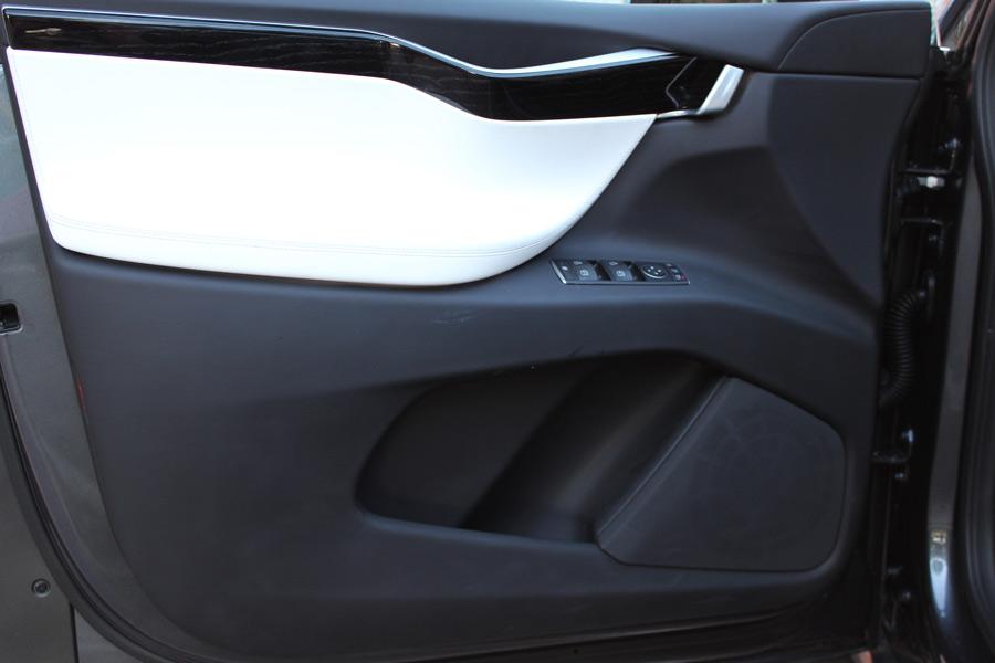 Tesla Model X Premium Sound