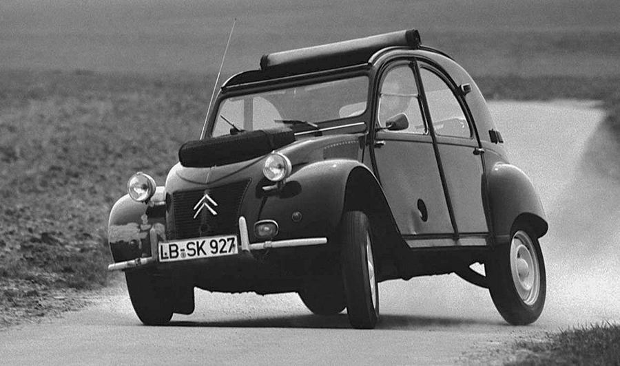 Citroën 2CV en acción.