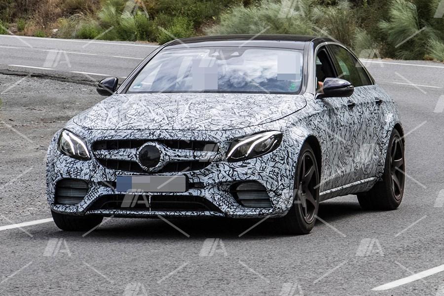 Fotos espía de la mula del Mercedes 55 AMG