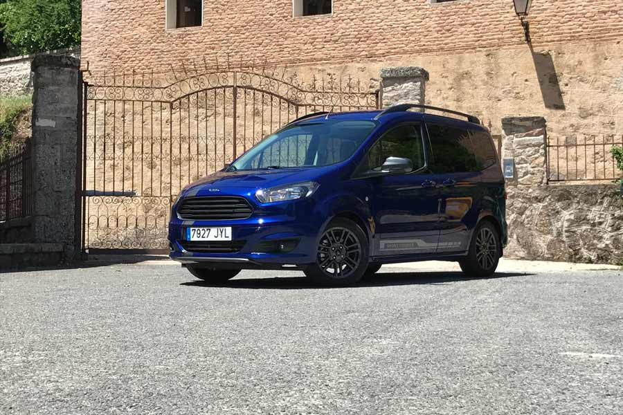 Ford Tourneo Courier Sport 100 CV, dinamismo a la carga