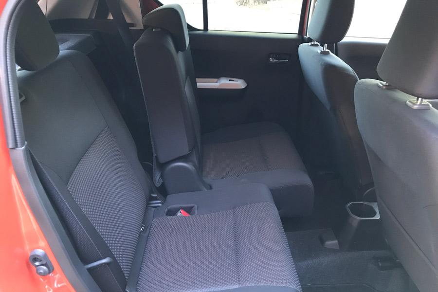 Los asientos traseros son regulables en profundidad; una solución muy buena para este tipo de coche.