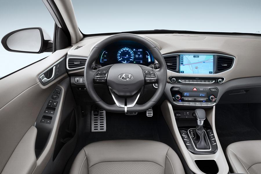Habitáculo del Hyundai Ioniq plug-in.