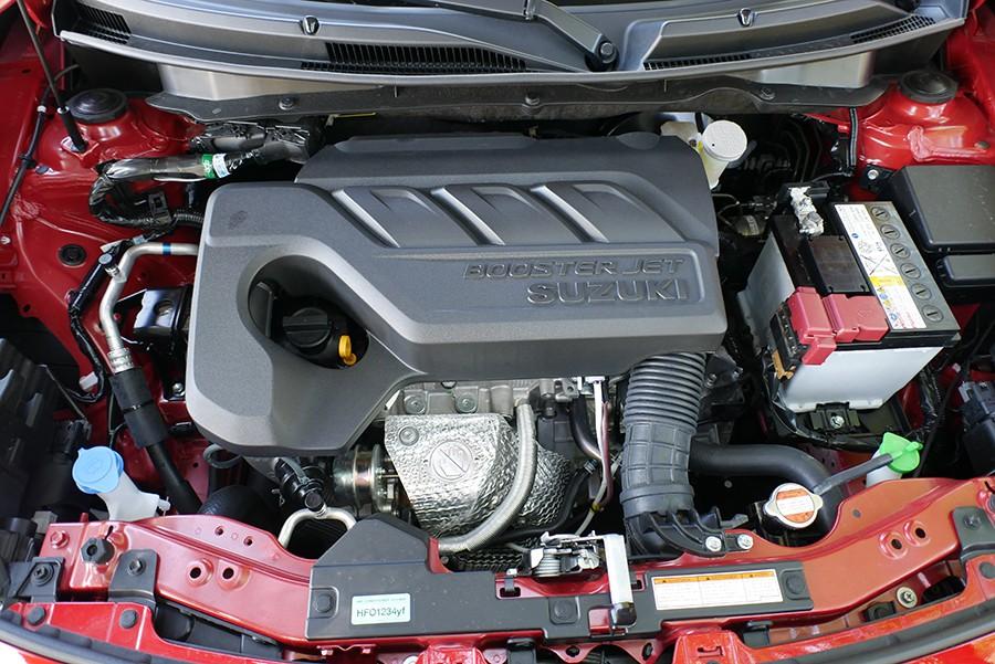 El motor es una delicia por suavidad y respuesta.