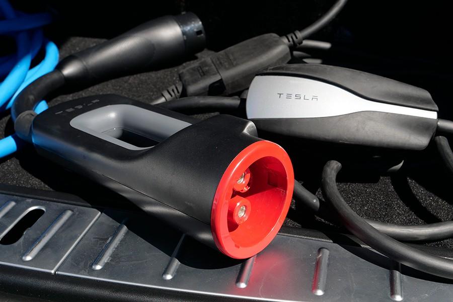 Los modelos de Tesla tienen varias posibilidades de carga.