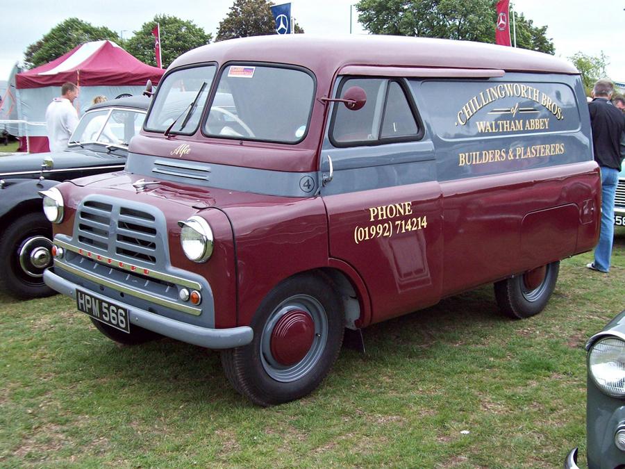 Bedford Oxford uno de los primeros transportes ligeros de los '50.