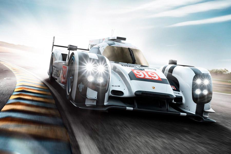 Porsche ha llevado a la competición y a la victoria el modelo híbrido en su 919 Hybrid LMP1, laureado tres años consecutivos en Le Mans.