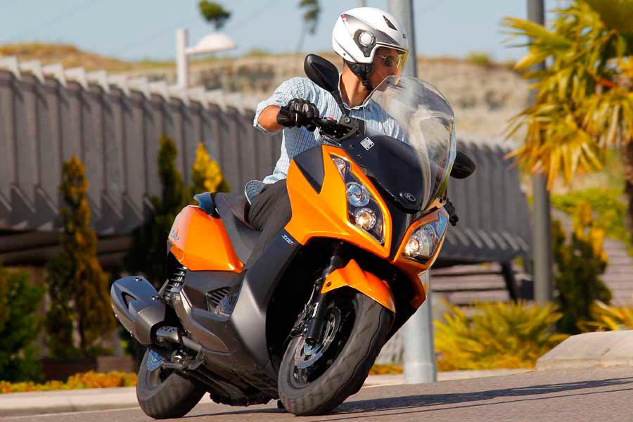 5 consejos para evitar accidentes de moto este verano