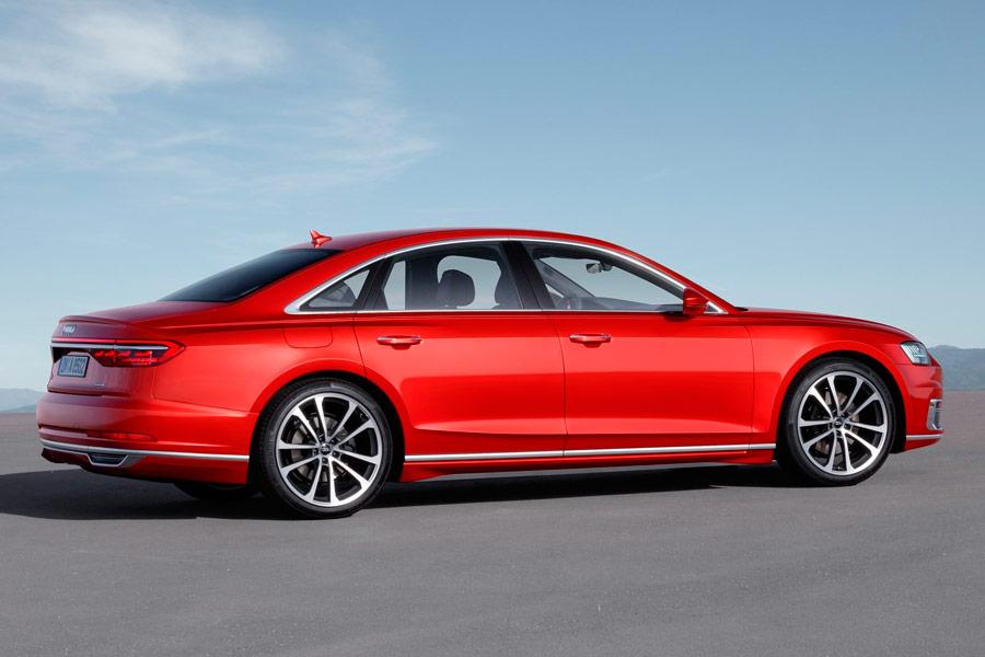 La nueva generación del Audi a8 mantiene su línea continuista en el diseño.