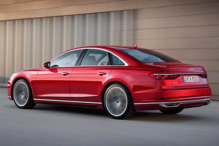Los pilotos traseros del Audi A8 de nueva generación incorporan tecnología OLED.