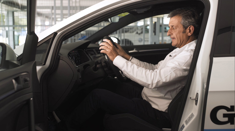 Luis Moya nos enseña cómo debemos sentarnos al volante