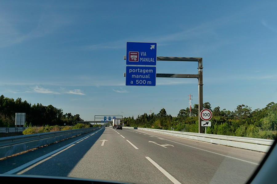 En Portugal existen autopistas de peaje convencional y autovías cuyo pago sólo se puede hacer electrónicamente.