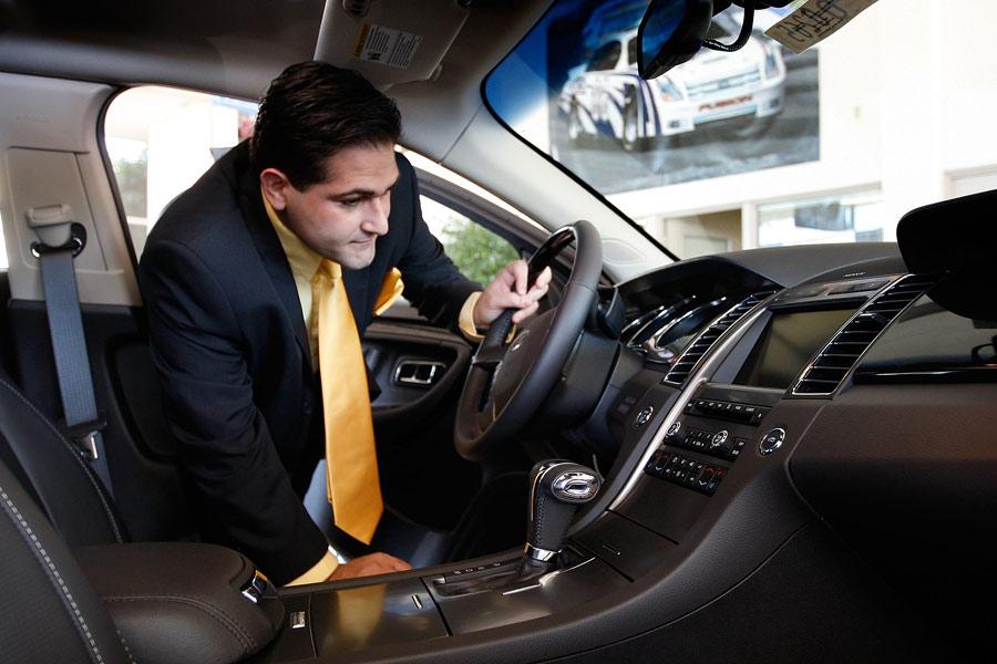 Día del Consumidor: Qué derechos tiene un comprador de coches