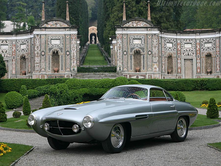 Ghia diseñó y construyó los Fiat 8V Supersonic, claramente inspirados en la aviación.