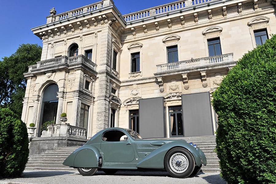 Castagna hizo una obra de arte vistiendo este chasis de Lancia Astura.