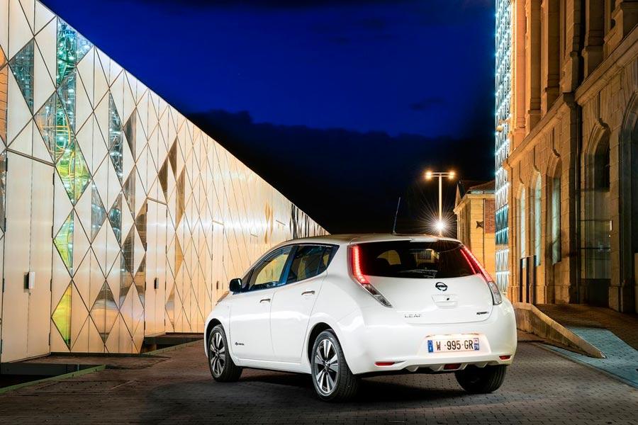 Nissan Leaf 30 kWh 2016.
