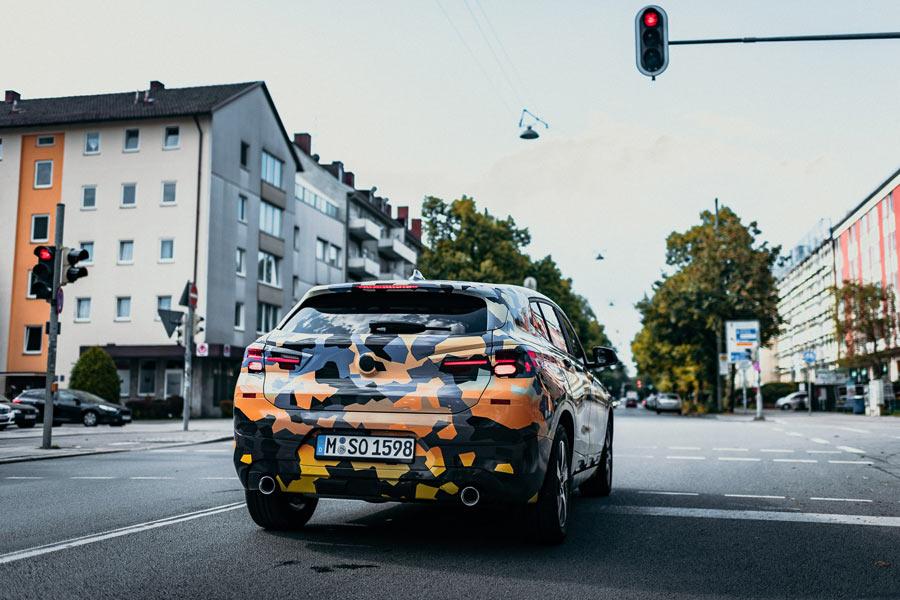 BMW X2 camuflado.
