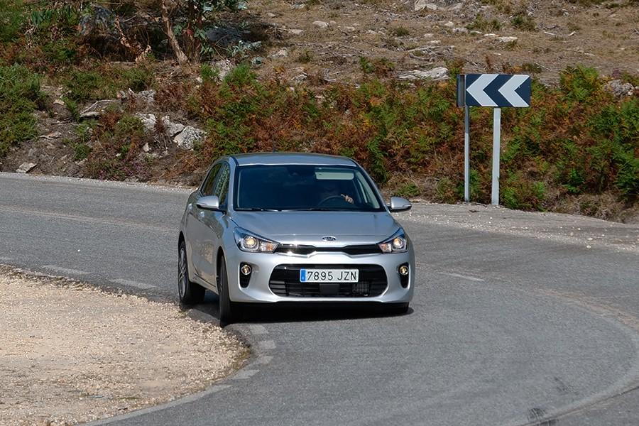 El Kia Rio sorprende por su excelente comportamiento dinámico y su facilidad de conducción.
