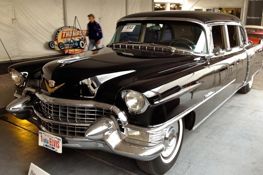 El Cadillac Fleetwood también lo tuvo en versión limusina.