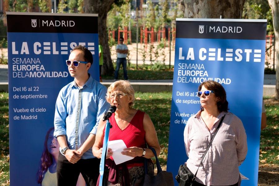 La alcaldesa de Madrid, Manuela Carmena, durante un acto de la Semana Europea de la Movilidad en Madrid.