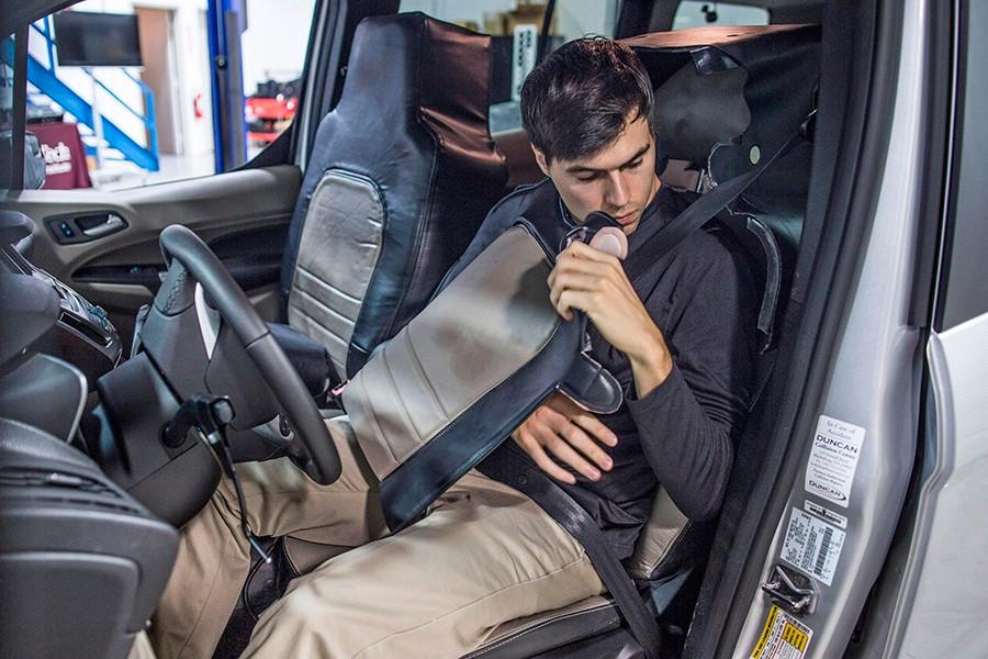 Ford disfraza a los conductores