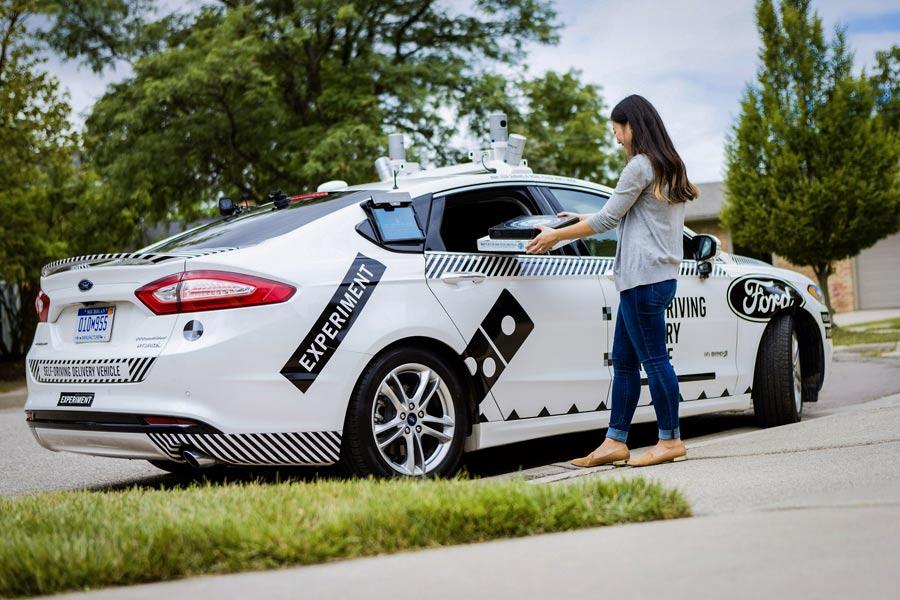 Ford y Domino's Pizza, repartos con vehículos autónomos.