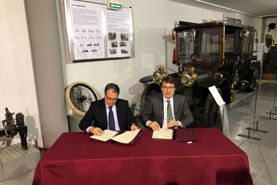 La DGT dona seis vehículos al Museo de la Historia del Automóvil