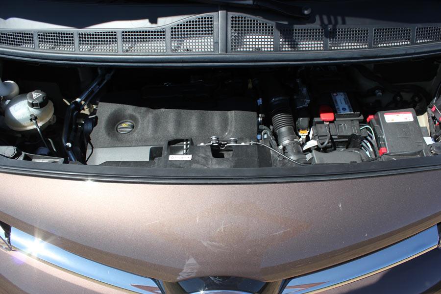 Vano motor de la Toyota Proace Verso 180 D.