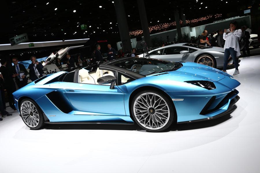 Lamborghini Aventador S Roadster, un toro muy cabreado