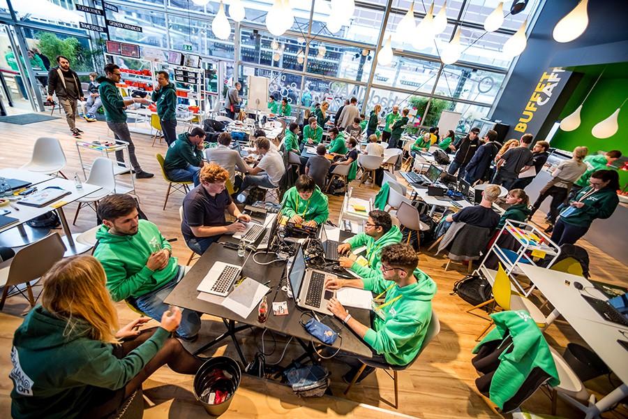 """Los """"Hackers"""" de Daimler en el Salón de Frankfurt 2017"""