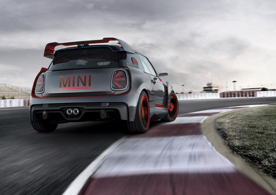 En el Mini John Cooper Works GP Concept, destaca el trabajo aerodinámico.