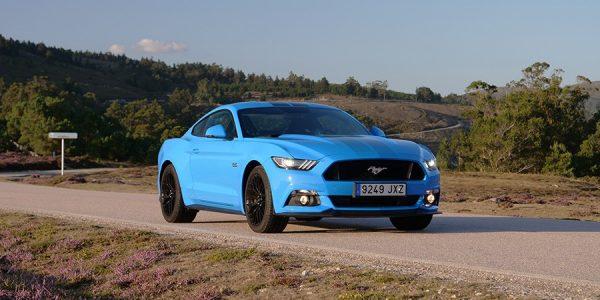 ¿Cuántos Ford Mustang cabalgan por el mundo?