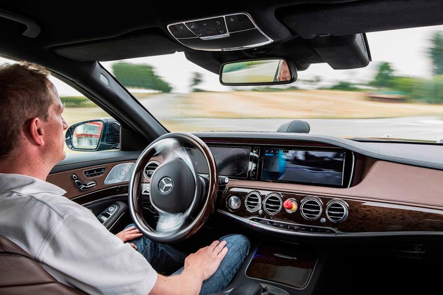 """10 rasgos de los futuros """"conductores"""" de los coches autónomos"""