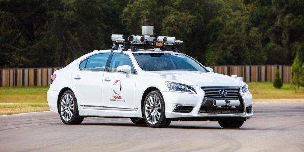 Toyota avanza hacía la conducción autónoma