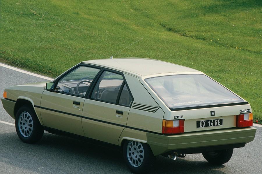 El Citroën BX fue el sustituto del GS y heredó de éste su sistema hidroneumático.