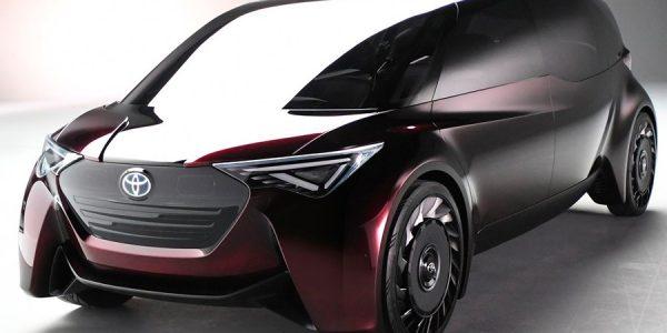 Dos nuevos Toyota de pila de combustible en Tokio 2017
