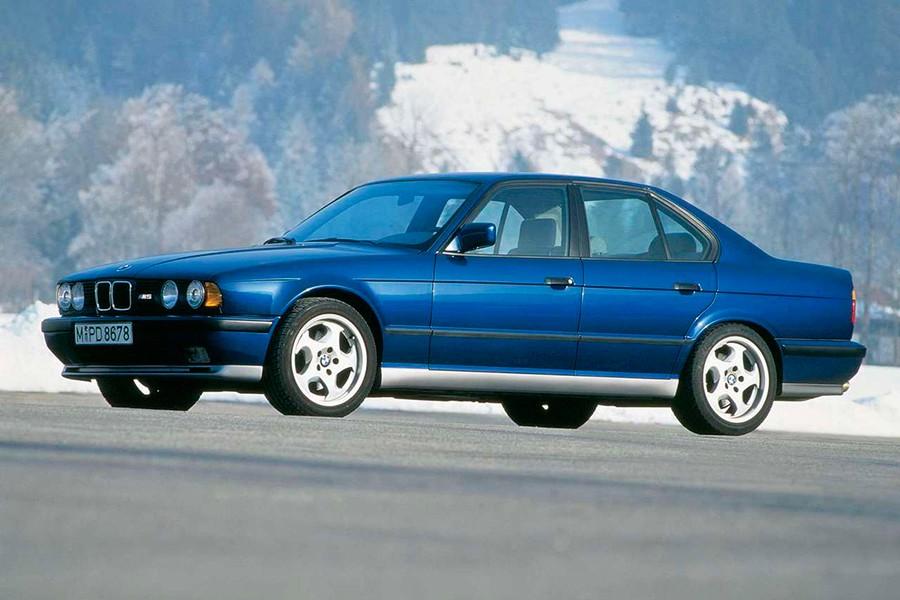 Con más de 300 CV y todavía ligero, la segunda generación del M5 es hoy en día una de las más apreciadas.