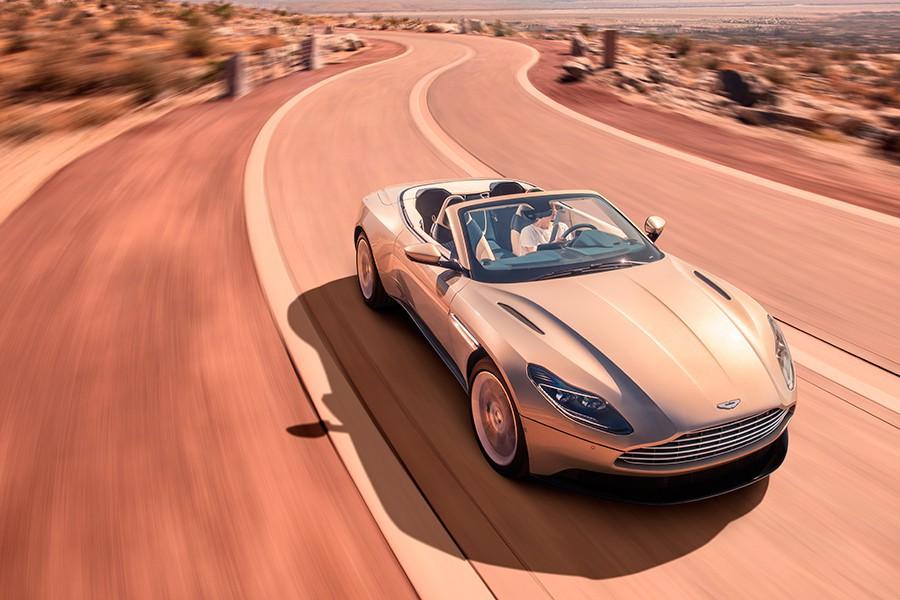 El Volante se ofrece sólo con el motor V8 sobrealimentado.