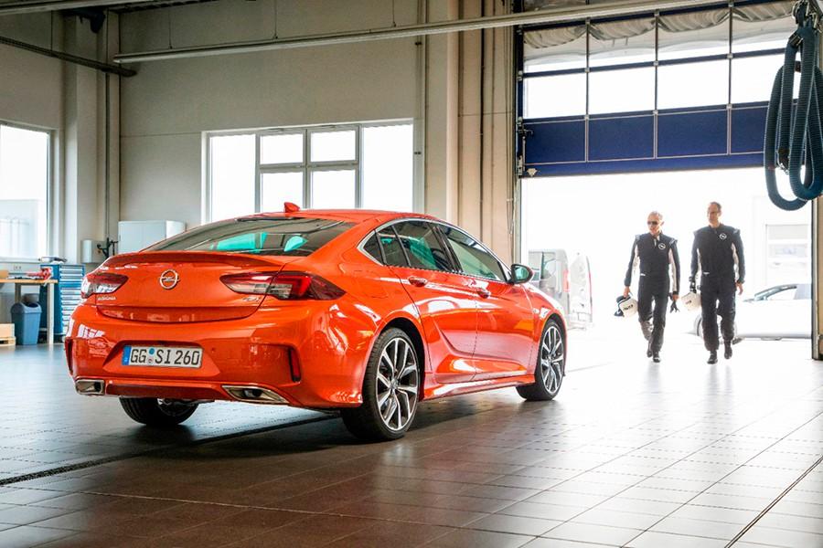 Opel Insignia GSi: 12 segundos más rápido que el OPC en Nürburgring