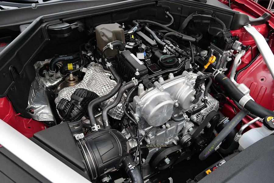 El motor 2.0 Turbo de gasolina de 255 CV tiene un rendimiento excelente.