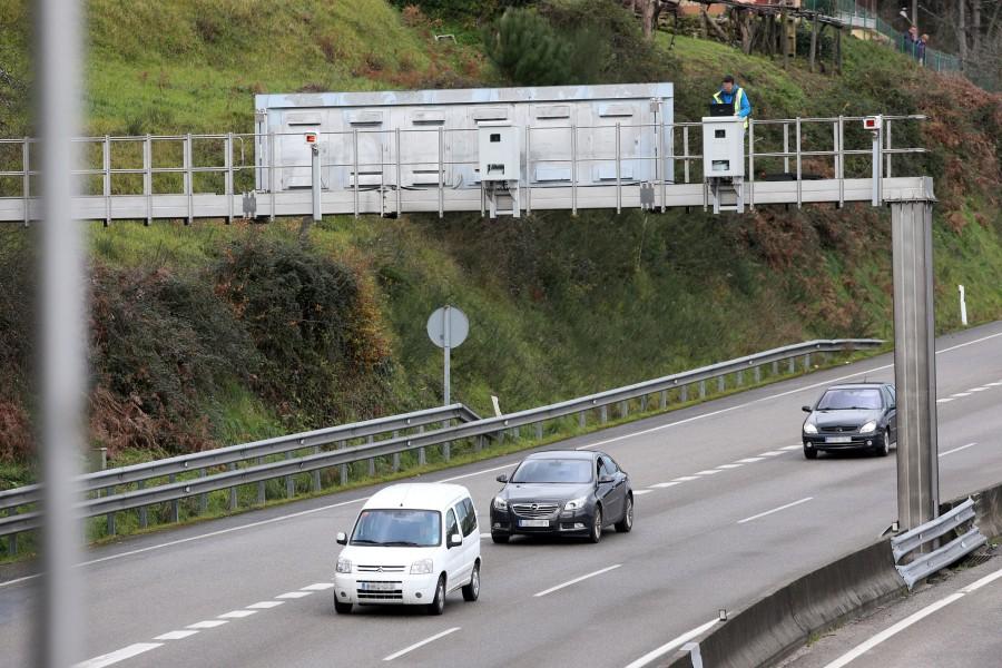 El km 12 de la A55 en Mos es el que más accidentes y víctimas acumula.