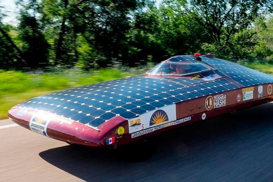 Los coches deben ser aerodinámicos y ofrecer una gran superficie expuesta al sol para sus células fotovoltaicas.