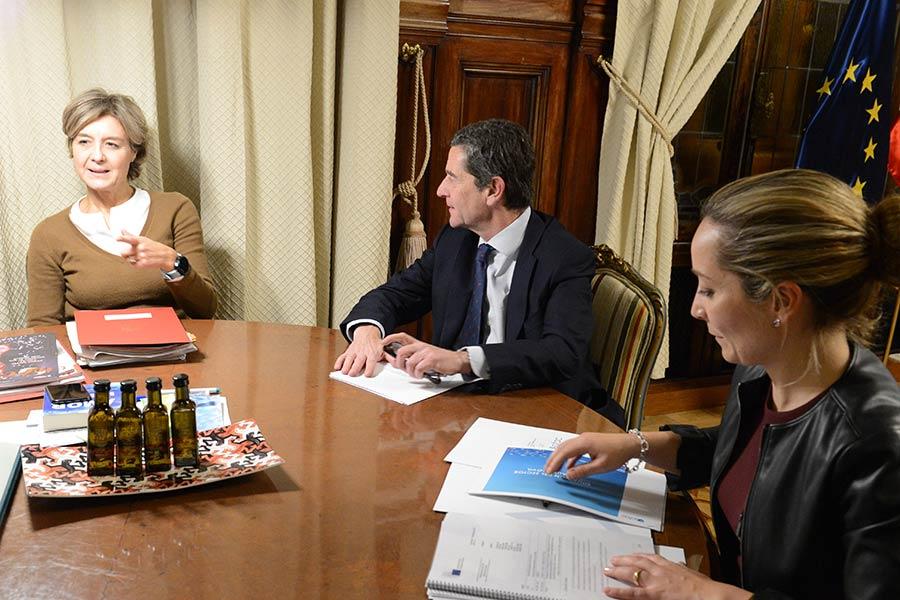 ANFAC se reúne con la ministra de Medio Ambiente.