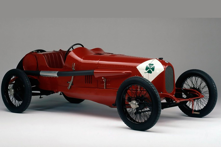 El trébol de cuatro hojas de Alfa Romeo no existiría de no ser por las carreras.