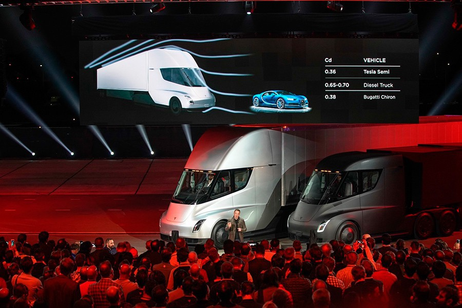 """¿Puede competir un camión eléctrico con baterías con un tren eléctrico? Sólo en recorridos """"Last Mile""""."""