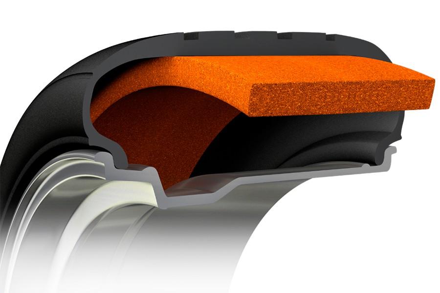 Esta espuma en el interior del neumático reduce los ecos y amortigua el sonido.