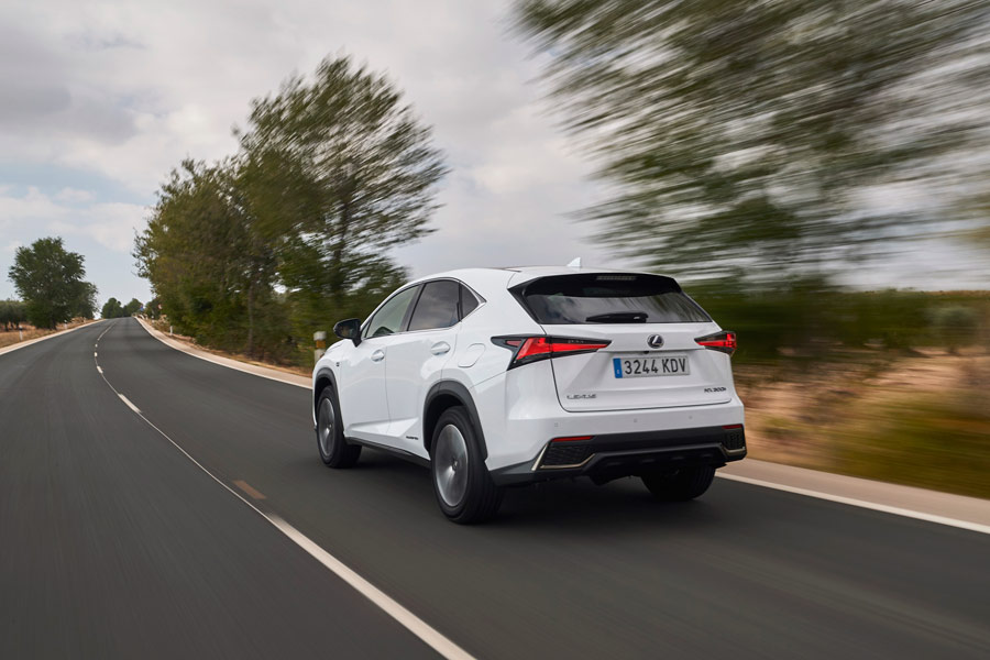 El sistema híbrido del Lexus NX 2018 ofrece una potencia conjunta de 197 CV.