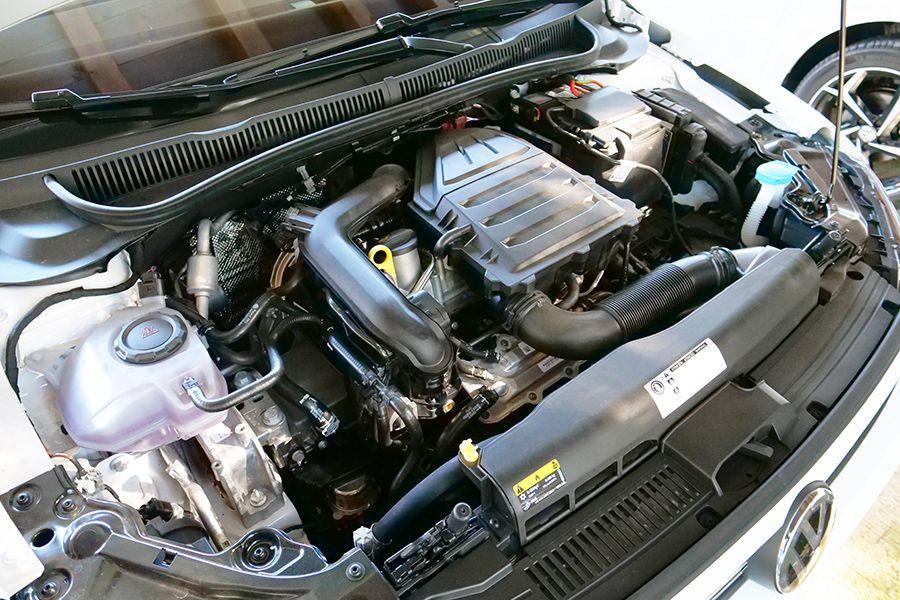 El motor de 3 cilindros y 95 CV tiene un rendimiento suficiente.